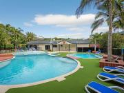 2 Bedroom Apartment Unit Mermaid Beach QLD For Rent At 550