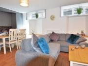 2 Bedroom Flat To Let in Oakfield Place Bristol for...