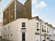 2 Bedroom House to rent in Eaton Mews North, London....