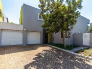 3 Bedroom Freehold To Let in Century City