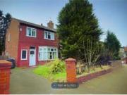 3 Bedrooms Terraced house for rent in Chatburn Road,...