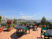 AMAZING ROOFTOP VIEWS, PERFECT LOCATION