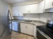 Bright And Large 2 Bedroom By The Beach