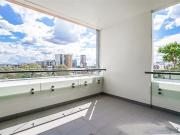 Fully Furnished Luxurious Two Bedrooms Apartment with...