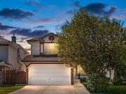 Snap Up this 4 br 4 bath Single Family House in Calgary