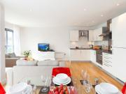 Stylish one bedroom apartment with views over Bristol...