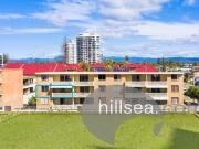 Surfers Paradise 2 bedrooms with single car garage