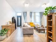 Terraced 2 Bedroom House for sale in Williamsburg Plaza,...